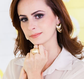 o-visual-da-mulher-empreendedora-stilla-acessorios-contemporaneos